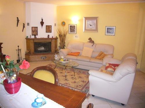 Appartamento in vendita a Chiusanico, 7 locali, zona Zona: Gazzelli, prezzo € 140.000 | CambioCasa.it