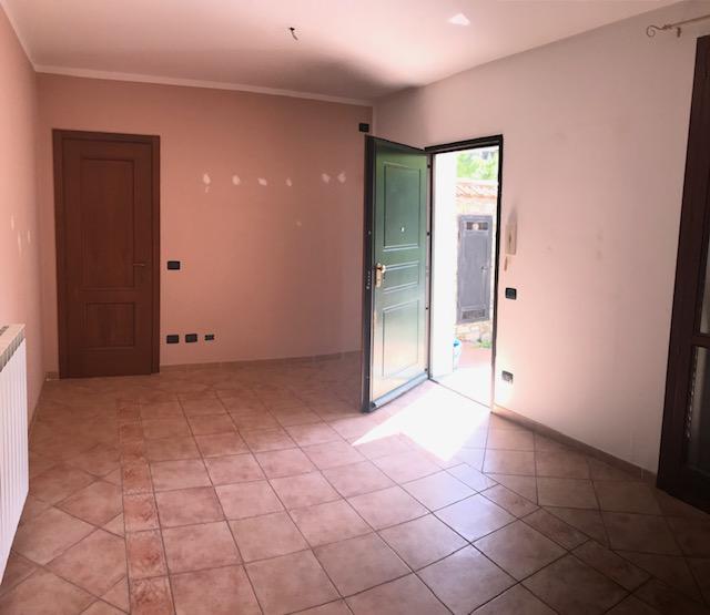 Appartamento in affitto a Pontedassio, 2 locali, zona Località: Pontedassio Centro, prezzo € 380 | CambioCasa.it