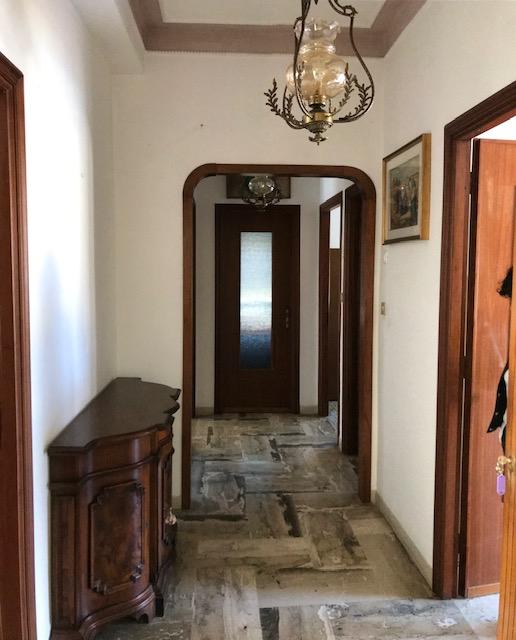 Appartamento in vendita a San Bartolomeo al Mare, 5 locali, zona Località: via alessandro manzoni, prezzo € 130.000 | CambioCasa.it