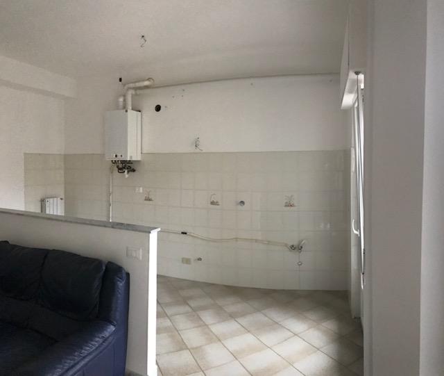Appartamento in affitto a Imperia, 4 locali, zona Località: via magenta, prezzo € 600 | PortaleAgenzieImmobiliari.it