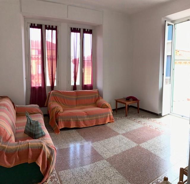 Appartamento in affitto a Imperia, 6 locali, zona Località: Piazza Marconi, prezzo € 750 | PortaleAgenzieImmobiliari.it